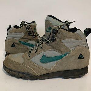 Nike acg hiking boots vintage size 9